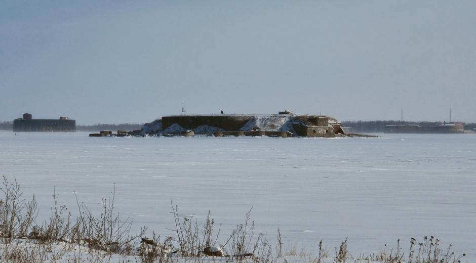 """Вид на форт """"Милютин"""" с дамбы"""