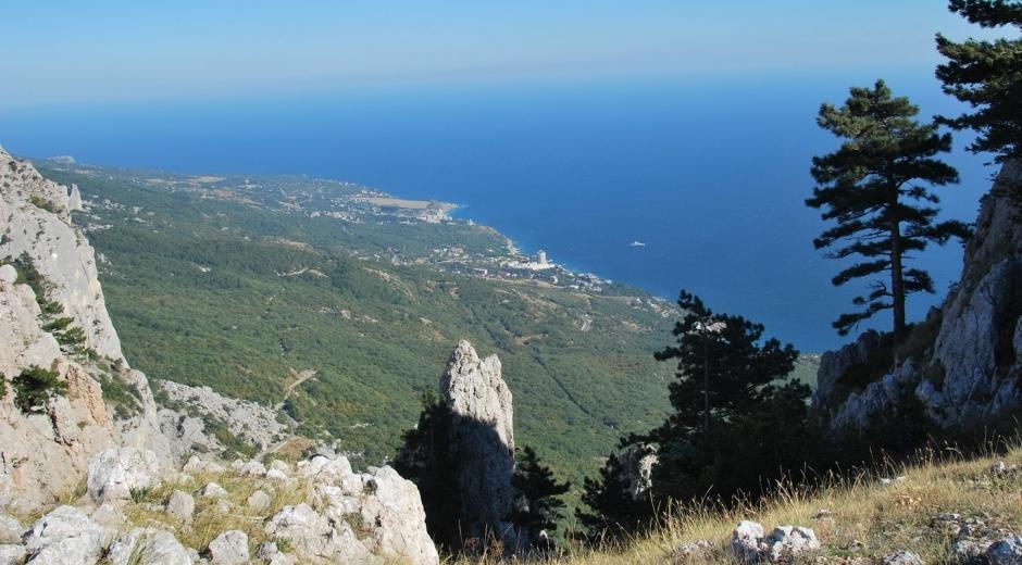 взгляд с высоты один км над морем
